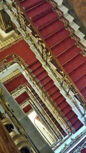 Майские источники вдохновения. Лестница в Доме Книги |  Блог без правок