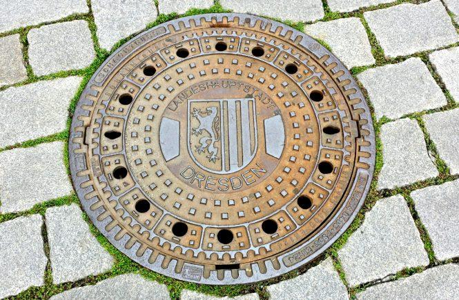 Дрезден. Канализационный люк