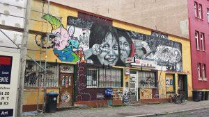Эрфурт. Граффити на фасадах