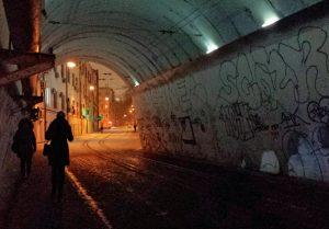 Под мостом в Москве