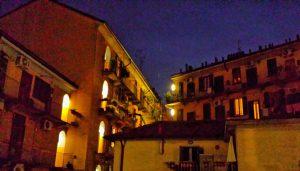 Вечером во дворах Милана