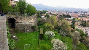 Вид с крепостной стены Бергамо
