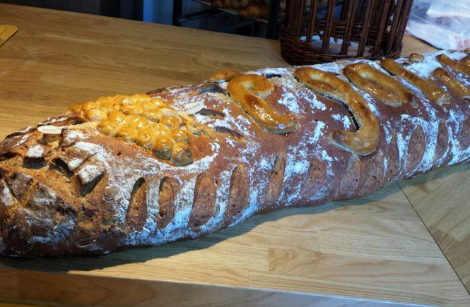 Огромный хлеб в Италии