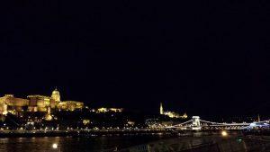 Будапешт. Вид на Королевский дворец и Цепной мост
