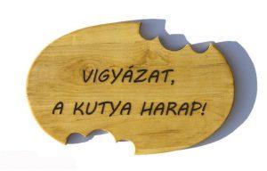 Осторожно, злая собака! - по-венгерски