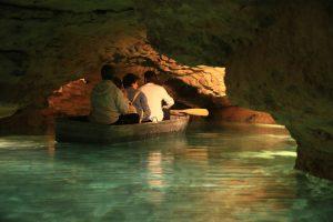 Пещеры в городе Тапольца, Венгрия