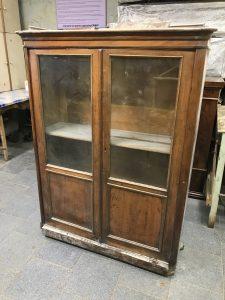 шкаф до реставрации